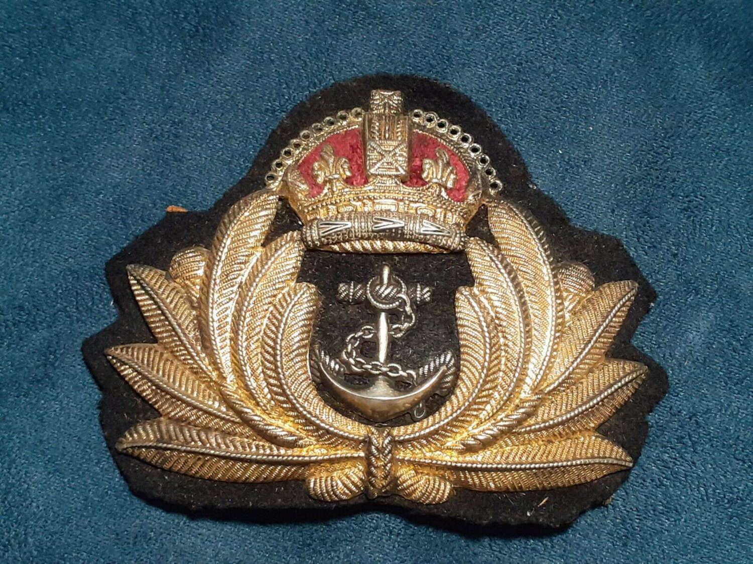 WW2 Royal Navy Officer Economy Cap Badge