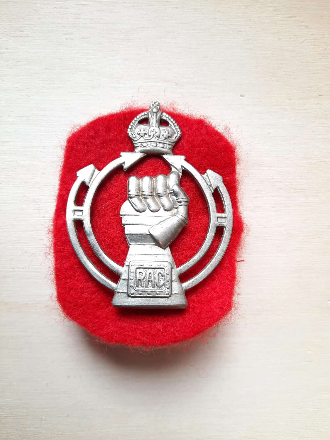 Royal Armoured Corps Beret Badge